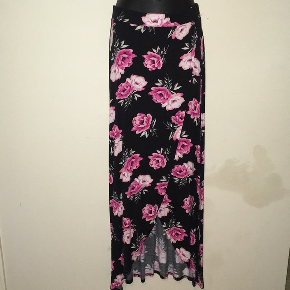 Charlotte Russe Dresses & Skirts - Floral Wrap Style